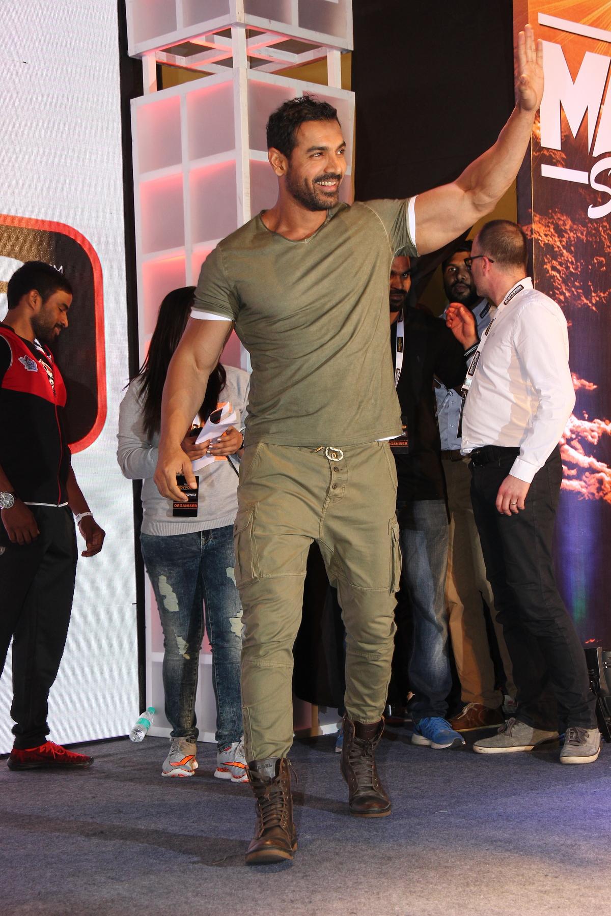 john abraham graces body power expo in mumbai