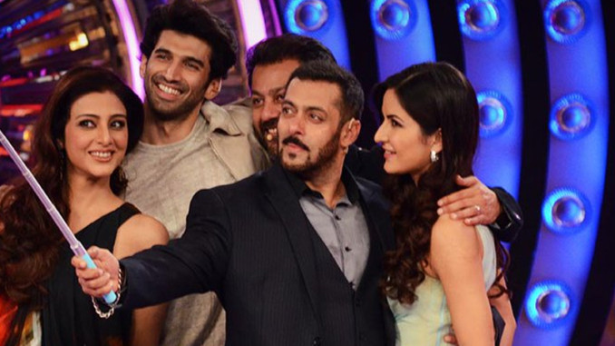 Team Fitoor with Salman Khan on the sets of Bigg BOss 9. Image Courtesy: Twitter