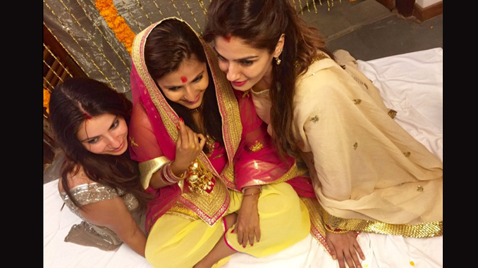 Raveena Tandon with her daughter. Image Courtesy: Twitter