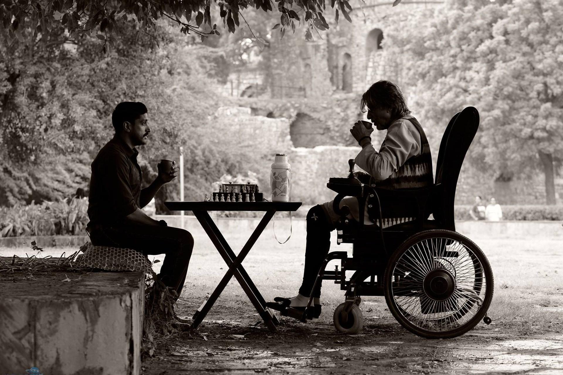 Farhan Akhtar and Amitabh Bachchan on the sets of Wazir