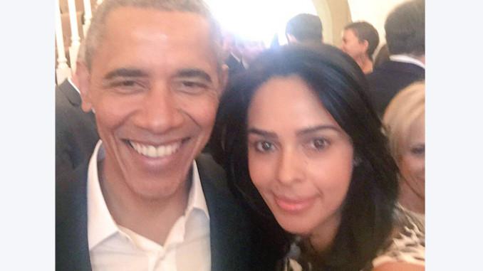 Mallika Sherawat with President Obama. Image Courtesy: Twitter