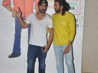 Ritesh Deshmukh, Ashish Chaudhary visit Sanjay Dutt