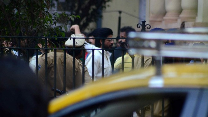 Snapped Shah Rukh Khan shoots for Raees in Mumbai
