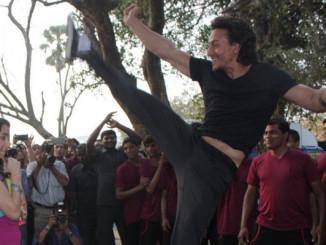 Tiger Shroff Spinning Back Kick Stunt With Shraddha Kapoor