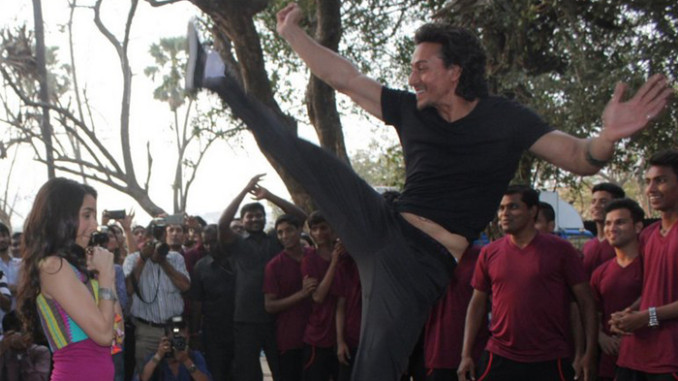 Tiger Shroff Spinning Back Kick Stunt With Shraddha Kapoor