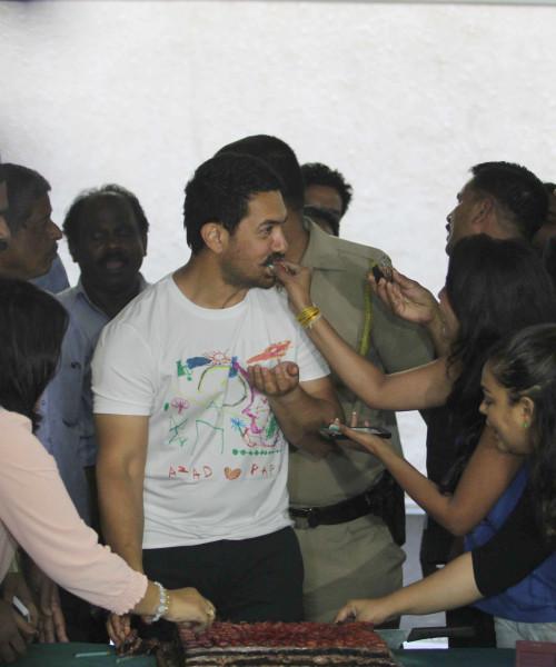 Aamir Khan celebrates his 51st birthday in Mumbai