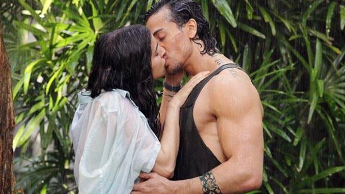 Shraddha Kapoor, Tiger Shroff kiss in 'Baaghi'