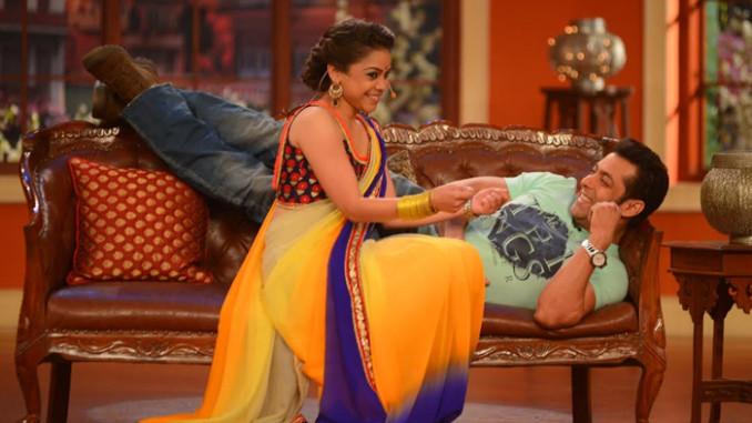 Sumona Chakravarti with Salman Khan on Comedy Nights with Kapil