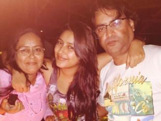 Pratyusha Banerjee with her parents. Image Courtesy: Instagram