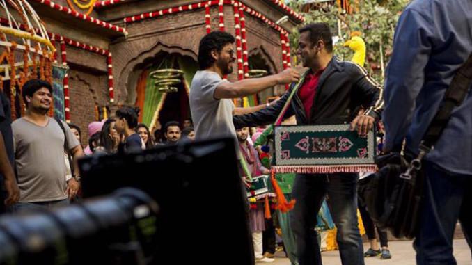 Shah Rukh Khan meets Salman Khan on the sets of Sultan. Image Courtesy: Twitter