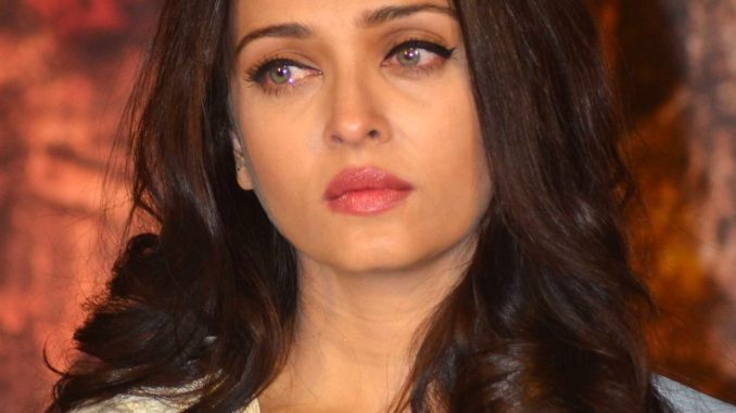 Aishwarya Rai Bachchan gets emotional