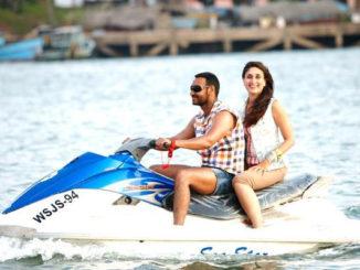 Ajay Devgn, Kareena Kapoor Khan in Golmaal 3