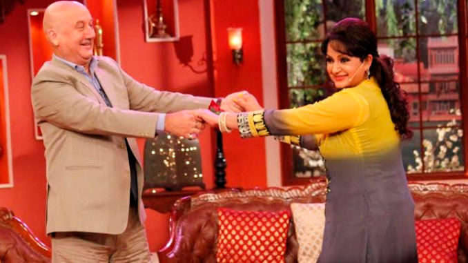 Anupam Kher with Upasna Singh on Comedy Nights with Kapil