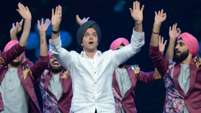 Hrithik Roshan does Bhangra on the sets of Dance+
