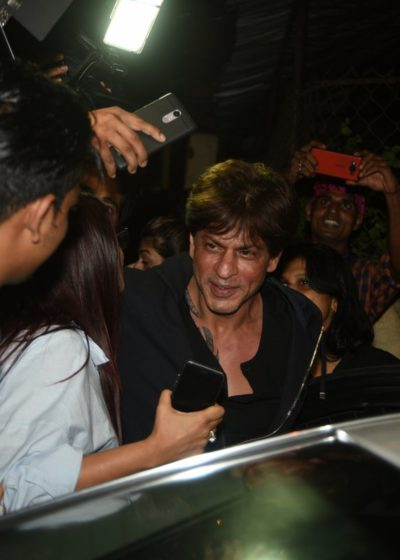 Shah Rukh Khan spotted with a new tattoo near his neck