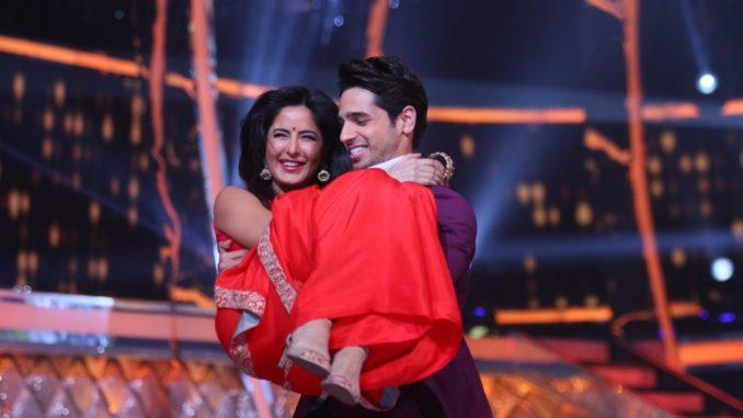 Sidharth Malhotra, Katrina Kaif promote Baar Baar Dekho on the sets of Jhalak Dikhhla Jaa
