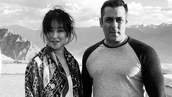 Zhu Zhu with Salman Khan in Ladakh. Image Courtesy: Twitter
