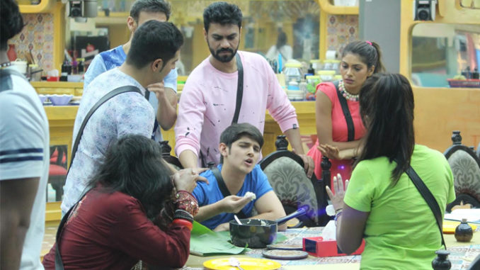 Rohan Mehra gets into n argument on the dinner table