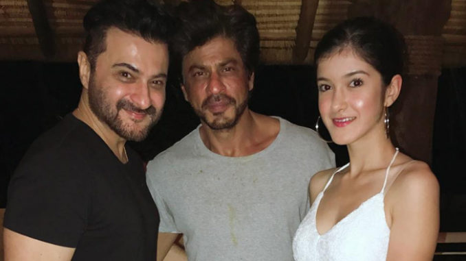 Shah Rukh Khan with Sanjay Kapoor and his daughter Shanaya. Image Courtesy: Instagram