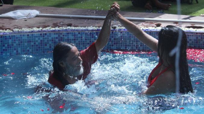 Swami ji, Mona Lisa enjoy in the pool