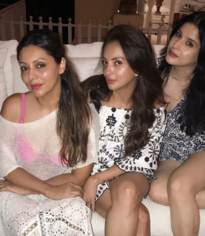 Gauri Khan poses with friends