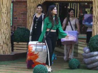 Bandagi sacrifices her clothes for Puneesh