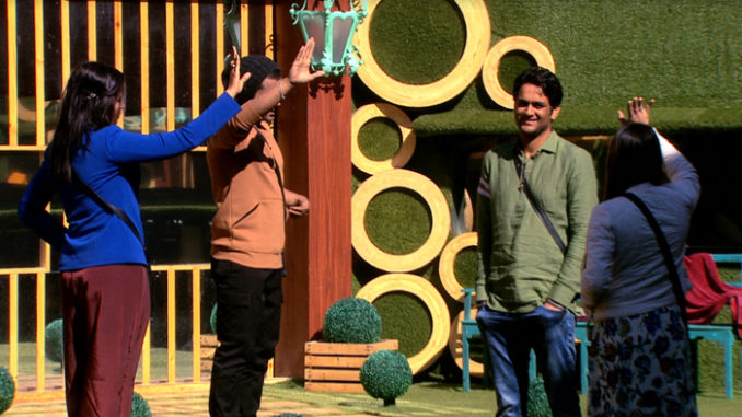 Contestants fight for captaincy