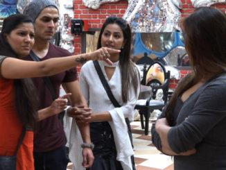 Sapna and Shilpa get into an argument