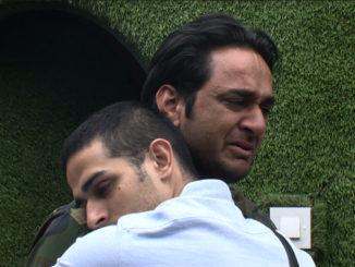 Priyank hugs Vikas